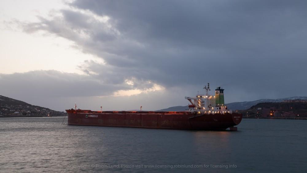Time-lapse: Malmbåt i Narvik havn