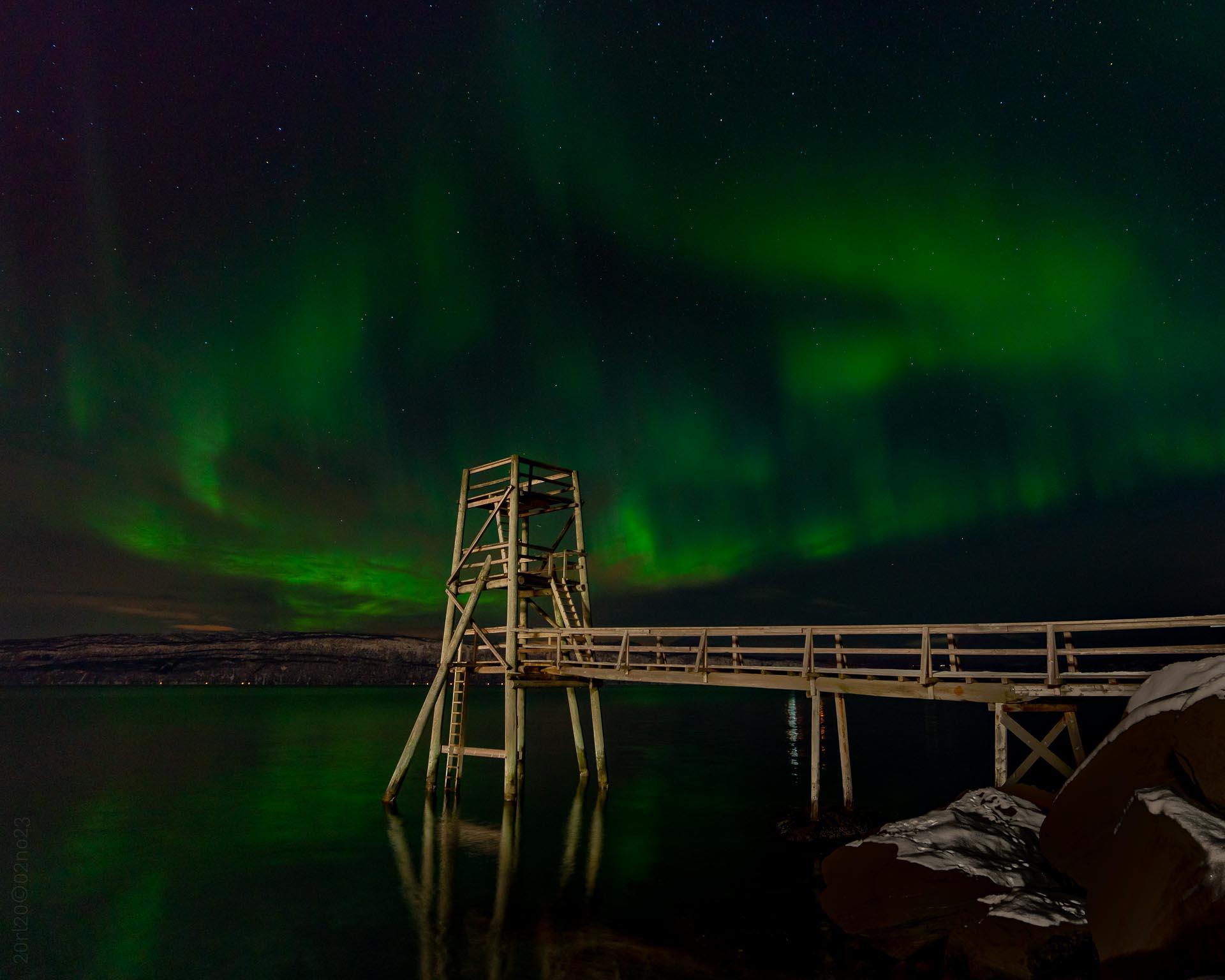 Nordlys i Ornesvika (Foto: Robin Lund)