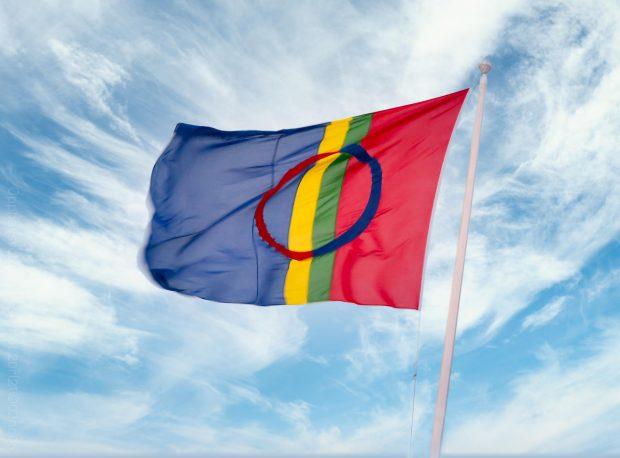 Sameflagget i vinden